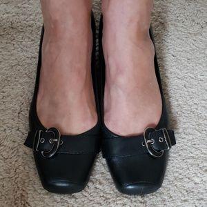Bandolino Black Flats with buckle